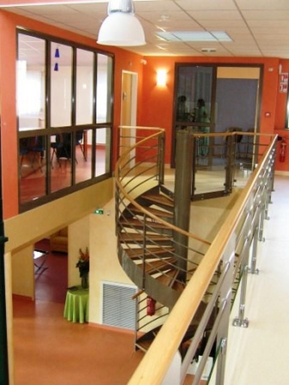 escaliers helicoidaux villac peinture. Black Bedroom Furniture Sets. Home Design Ideas